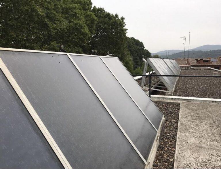 Grupo Mastercold no dejes que tus placas solares dejen de funcionar por una mala instalación, contacta con nuestro Servicio Técnico y te aseguramos un ahorro 100%
