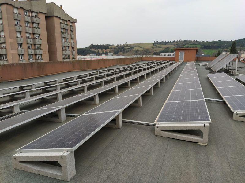 Grupo Mastercold 100% sostenible y creciendo en instalaciones Fotovoltaicas, 30 años trabajando para que su actividad no se detenga