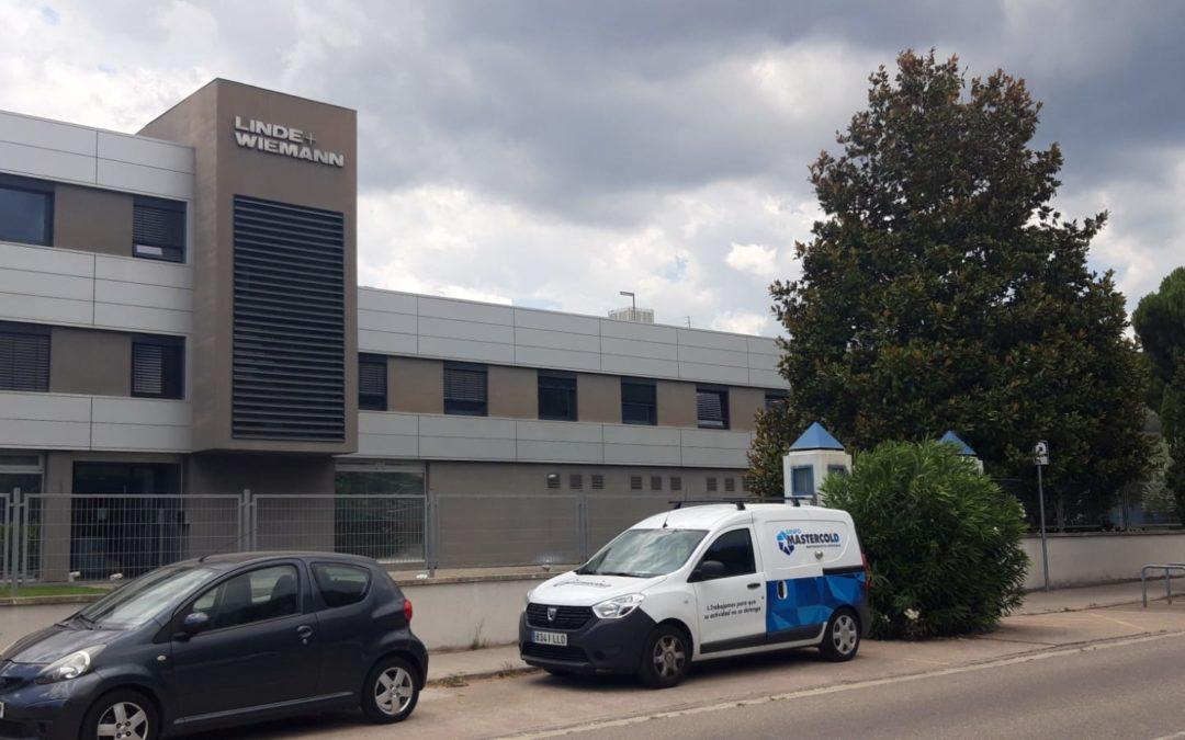 Grupo MasterCold sustitución de equipos tipo Rooftop en en Linde Wiemann (La Garriga)