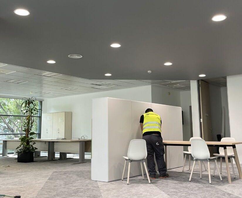Grupo MasterCold remates finales Edificio Schneider Bcn